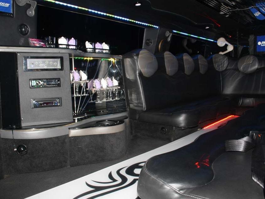 Hummer 4 Stretch Limousine Svizzera