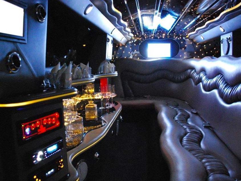 Infinity Stretch Limousine Svizzera Bellinzona